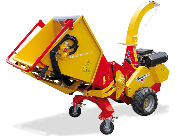 Self propelled wood chipper: XYLOCHIP 100DA